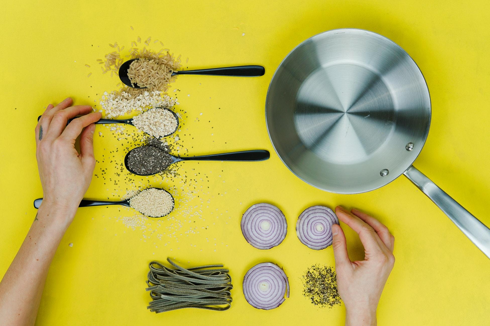 La cebolla en la alimentación infantil: propiedades, beneficios y cómo incluirla en la dieta