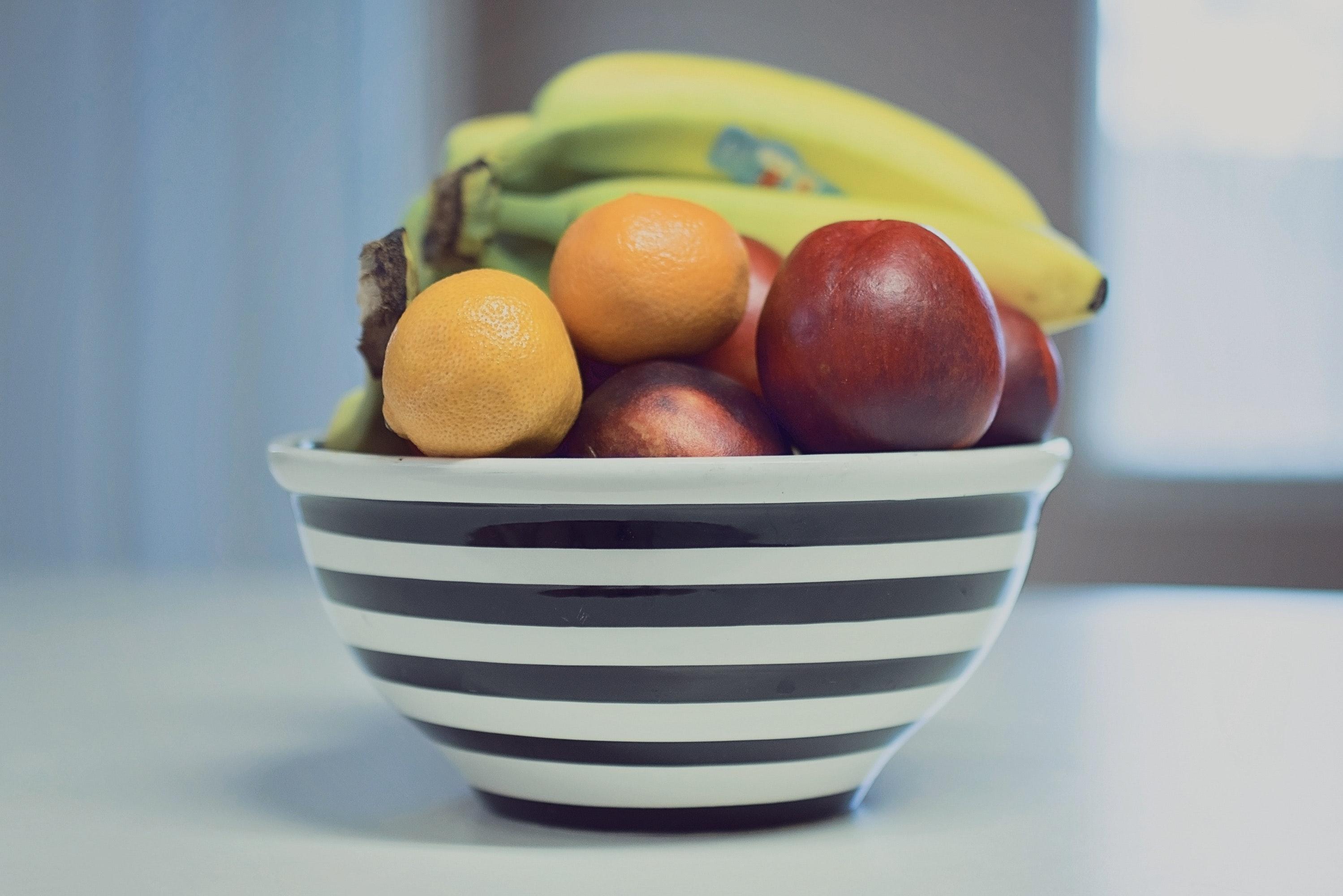 La fruta… ¿mejor conservarla en la nevera o fuera de ella?
