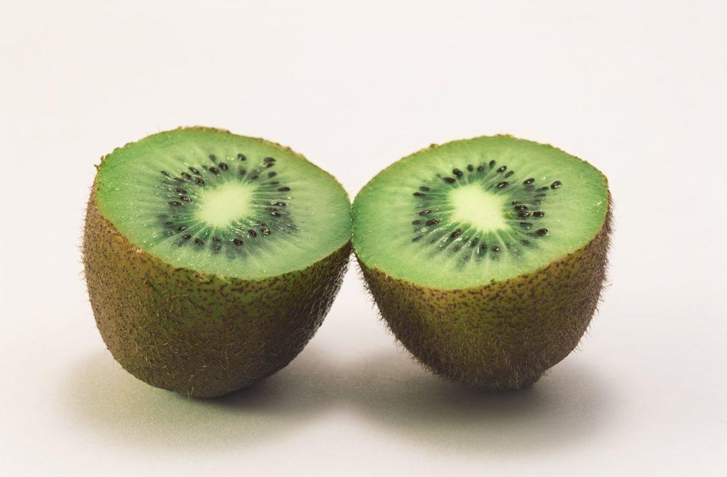 Beneficios de consumir kiwi